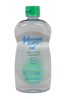 Johnson's Baby Oil with Aloe Vera & Vitamin E by Johnson & Johnson for Kids - 20 oz Oil