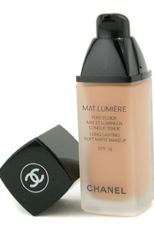Mat Lumiere Long Lasting Soft Matte Fluid Makeup SPF15 - # 100 Soft Honey by Chanel for Women - 1 oz SPF Makeup (US Version)